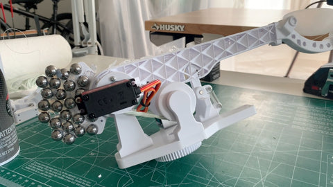 Second iteration of the 3d printed catapult arm