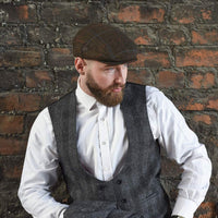 Mens Brown Flat Ivy Hat - on model