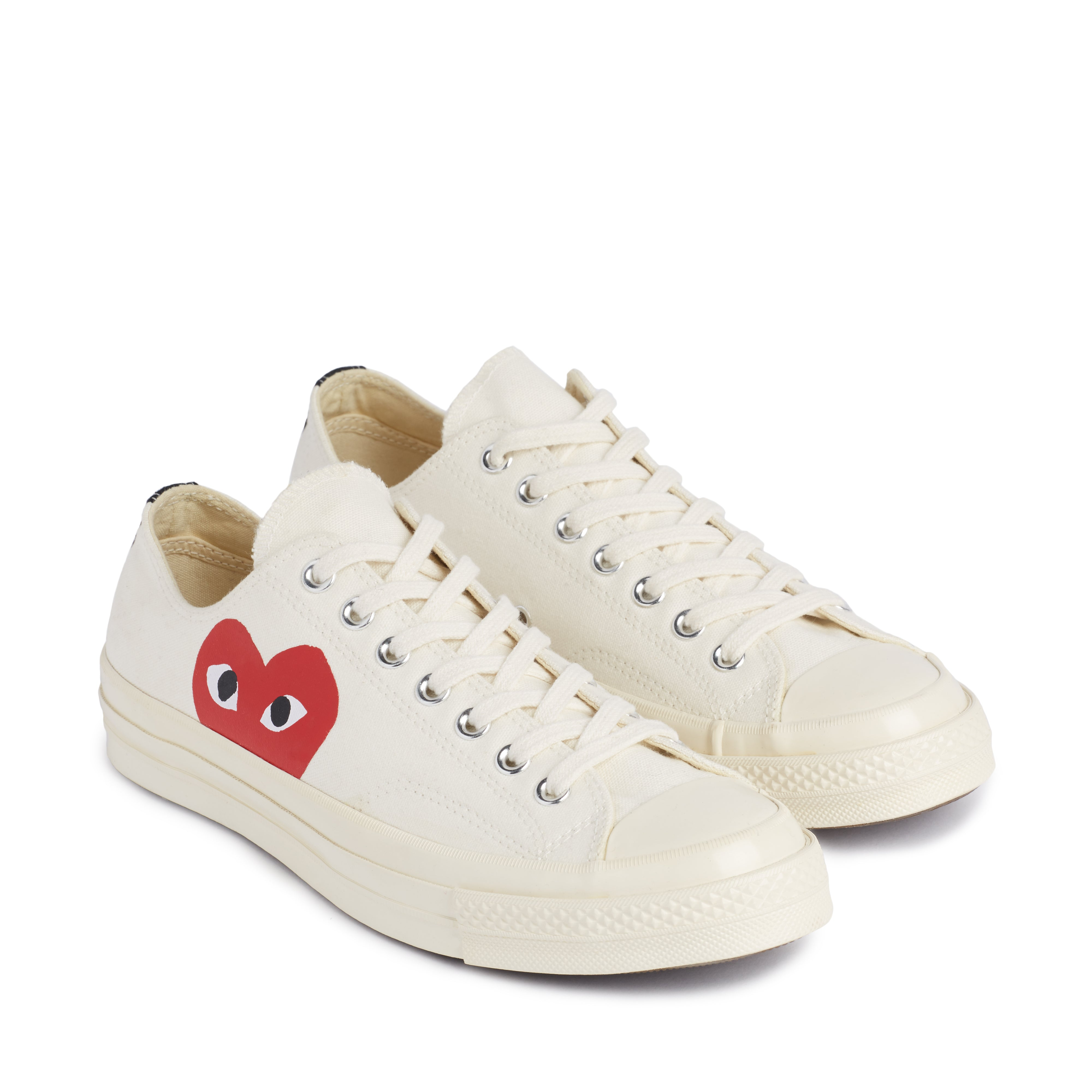 Play Comme des Garçons x Converse Red Heart Chuck Taylor All Star '70 Low (White)