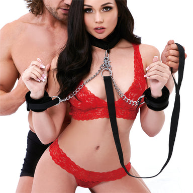Lux Fetish Collar Cuffs And Leash Set