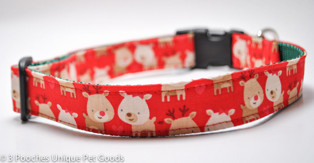Reindeer in Love Red