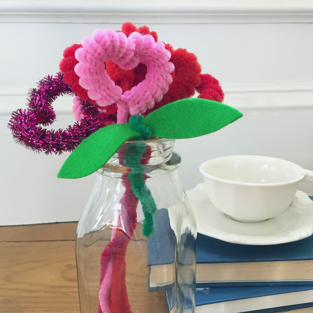 Valentine's Day Kids Craft: Pipe Cleaner Heart Flowers