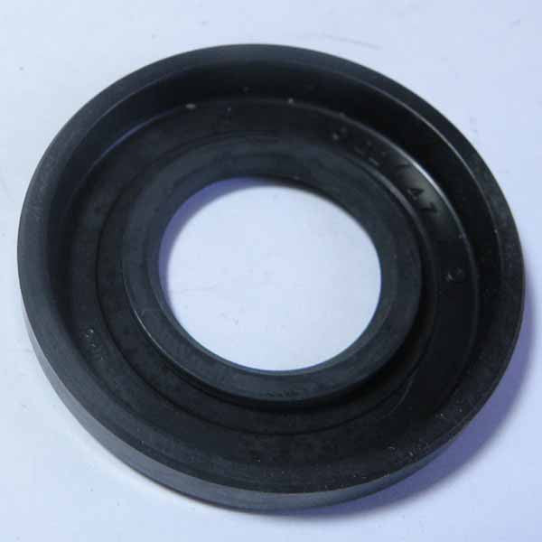 Vespa: Clutch Seal - Small Frame, Clutch side Crankshaft Seal