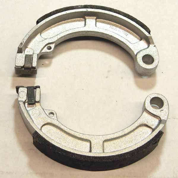 Vespa: Rear Brake Shoes - Early Small Frame
