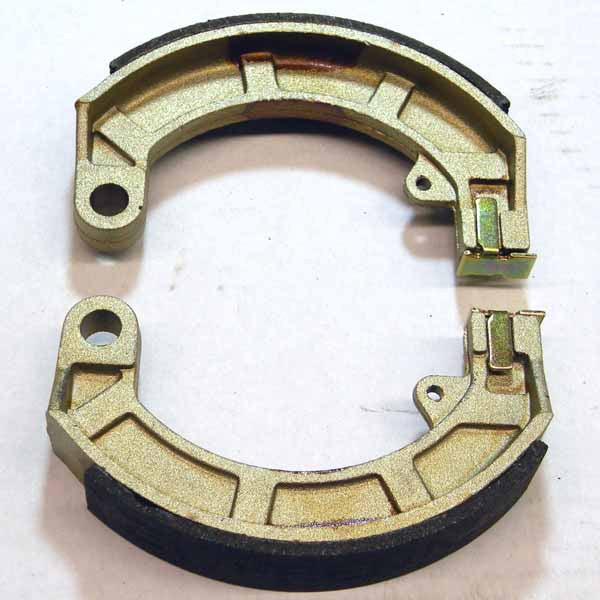 Vespa: Rear Brake Shoes - Late Small Frame