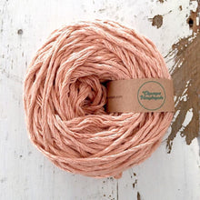 Load image into Gallery viewer, PEACH LINEN FLAMÉ - WORSTED - Chompa Handmade