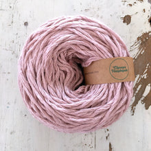 Load image into Gallery viewer, DUSKY PINK LINEN FLAMÉ - WORSTED - Chompa Handmade