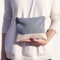 Basic bicolour pouch handmade in Valencia, Spain with 100% cotton canvas by Júlia Marco.