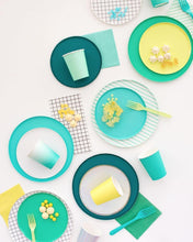 Load image into Gallery viewer, Kelly Green Party Plates (Large)-Party Love