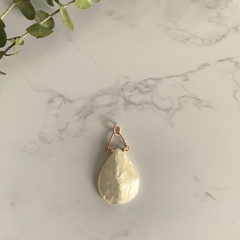 Rose Gold Mother of Pearl Teardrop Pendant