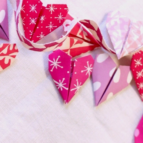 Heart Bunting Origami Kit - Cambridge Imprint