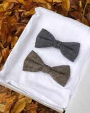 Load image into Gallery viewer, Peaky Blinder Dog Bow Tie