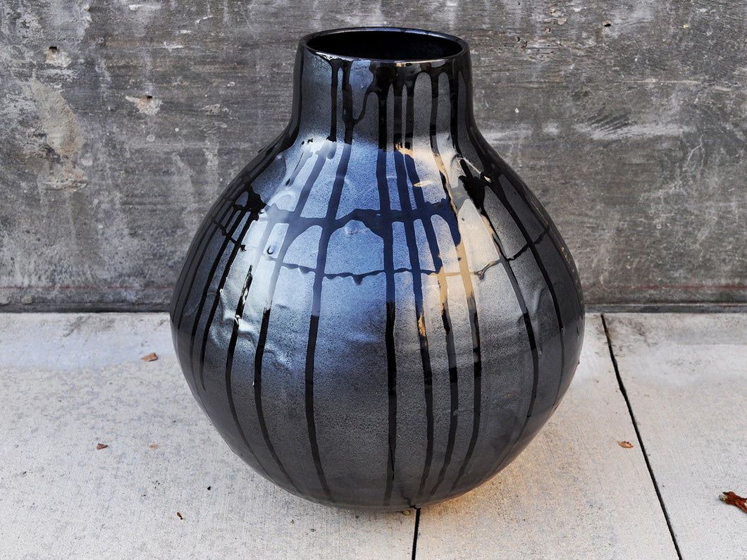Black Moon Jar - Gerbi Tsesarskaia