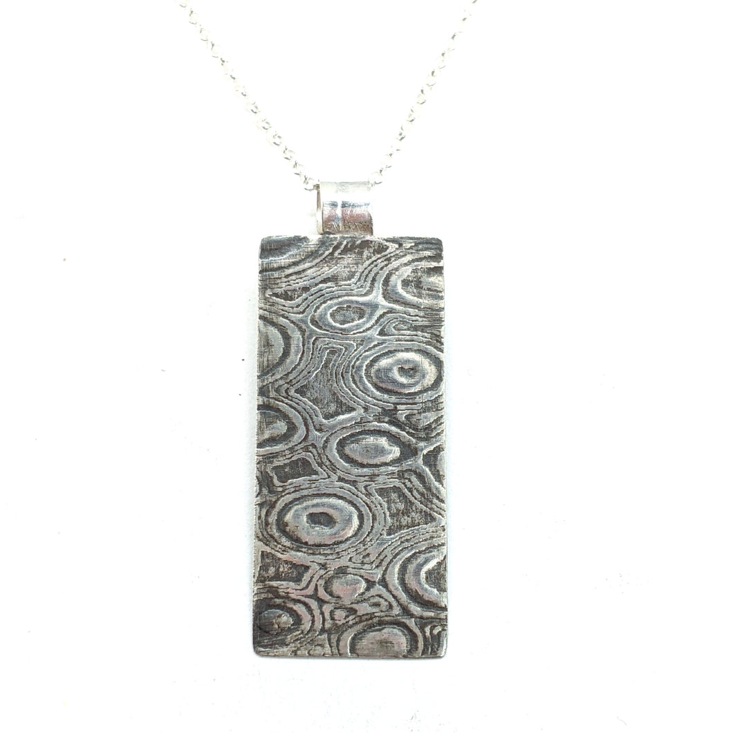 WOOD GRAIN EMBOSSED - NECKLACE