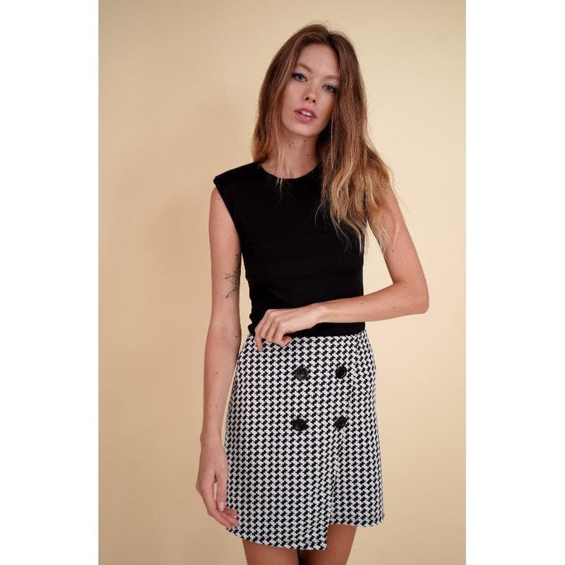 H Apparel Print, skirt with buttons.