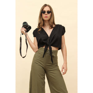 H Apparel tops Short sleeve crop blouse with buttons.