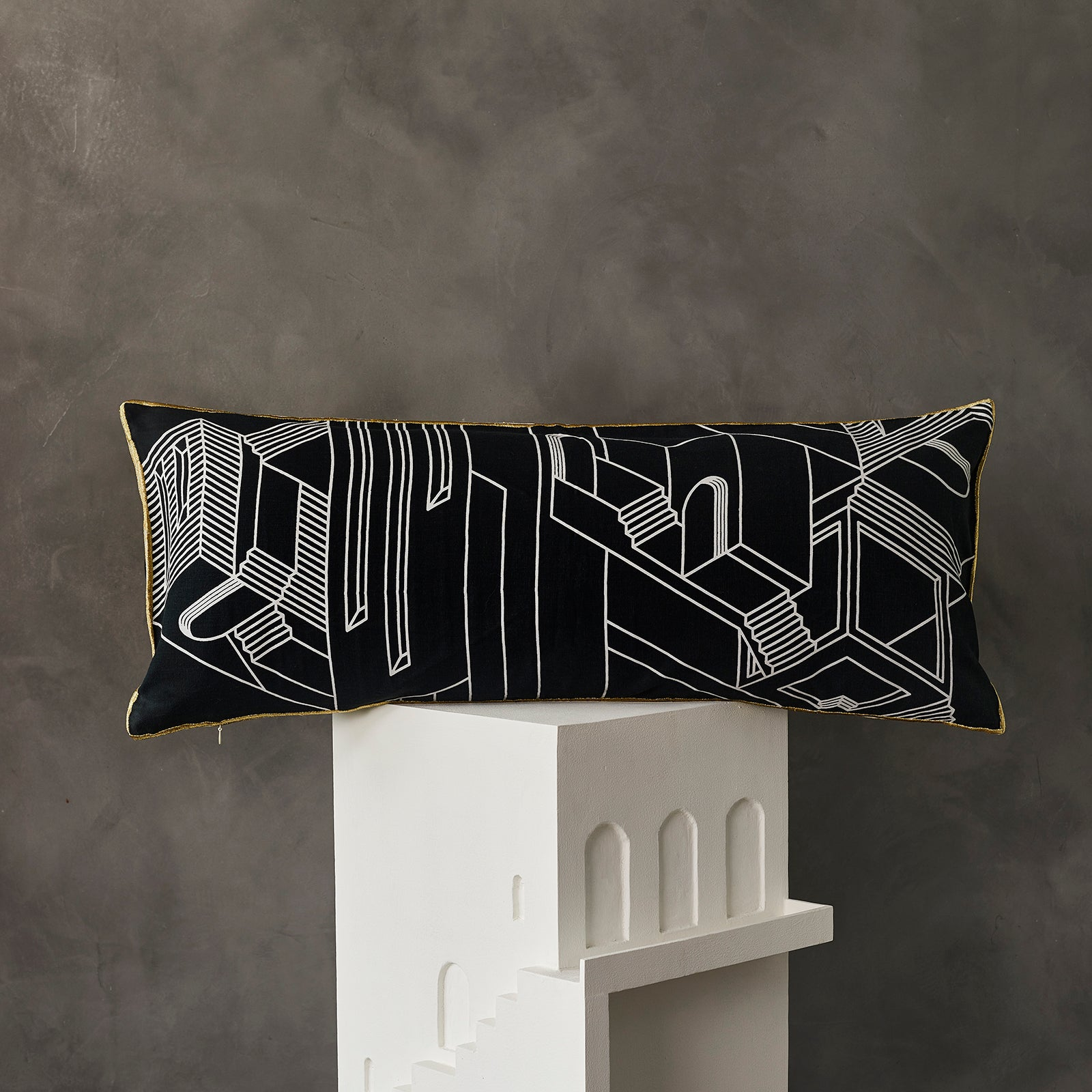 2 Faced Cushion - Black Streetscape