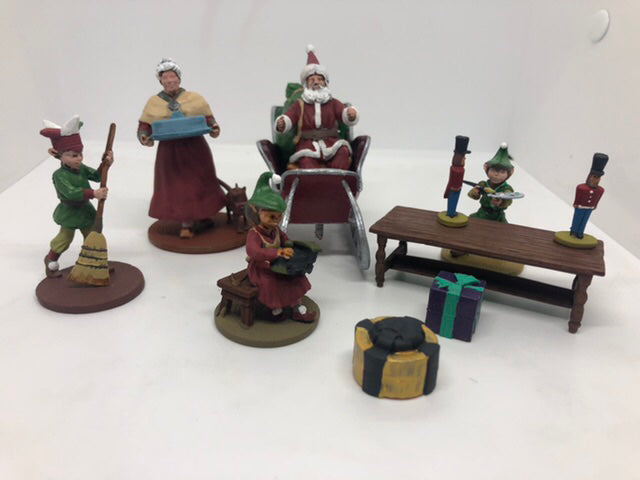 Painted Mrs. Claus and the Elves (LOD016)