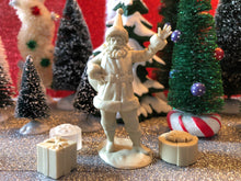 "Load image into Gallery viewer, LOD Enterprises - 6"" Figure (Santa Claus)(LOD014)"