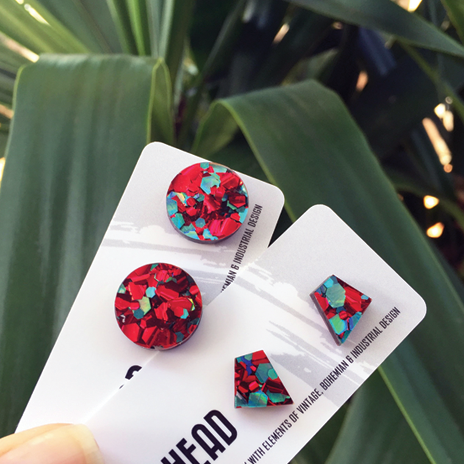 Red/teal glitter studs