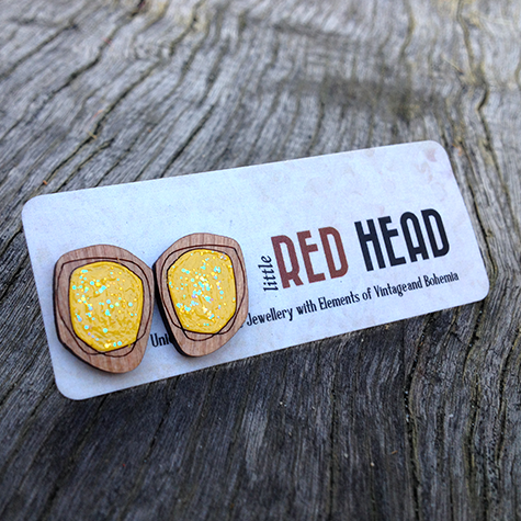 Wooden geometrical studs (yellow)