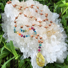 Load image into Gallery viewer, Green Opal Mana Sandalwood Lei