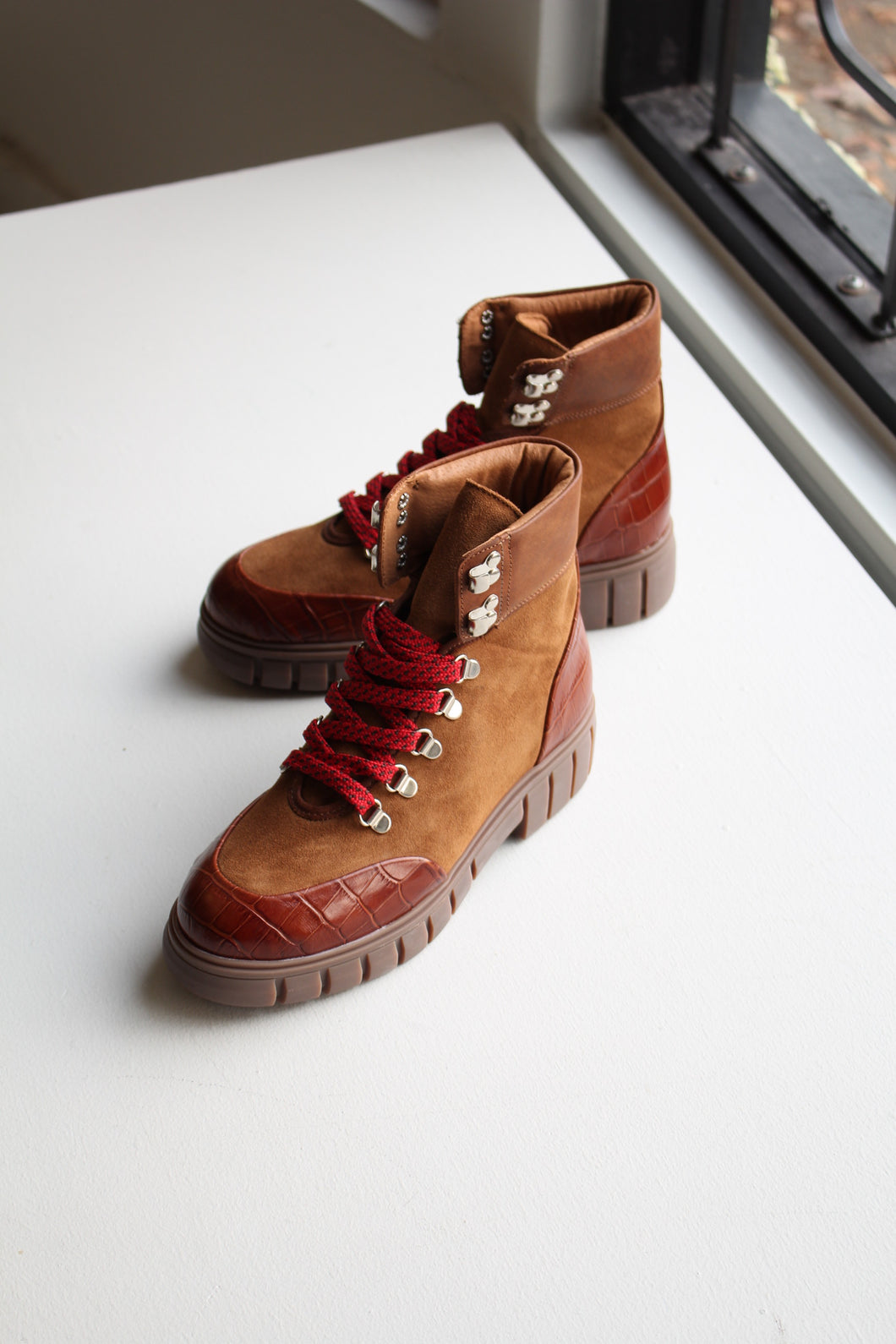 Rebel Hiker - Tan Croc Leather