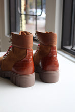 Load image into Gallery viewer, Rebel Hiker - Tan Croc Leather