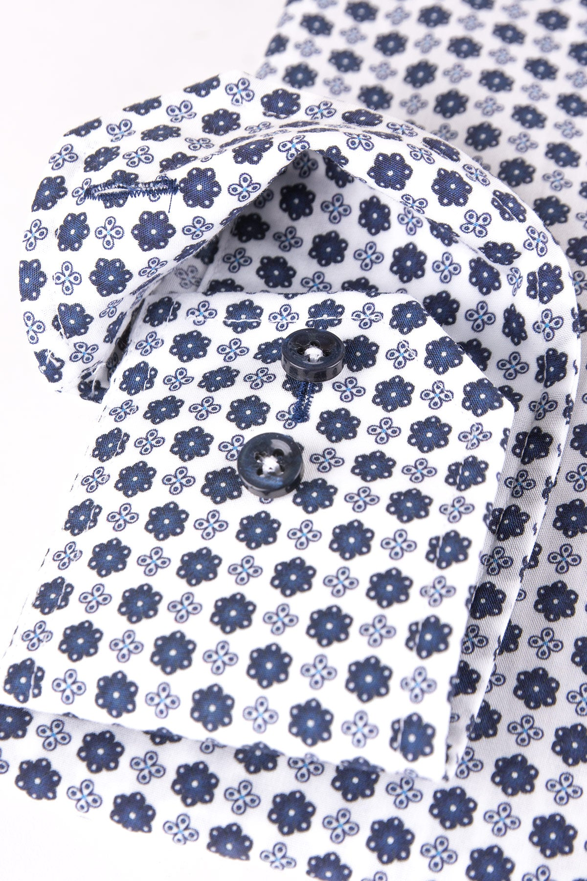 White and blue printed slim fit shirt