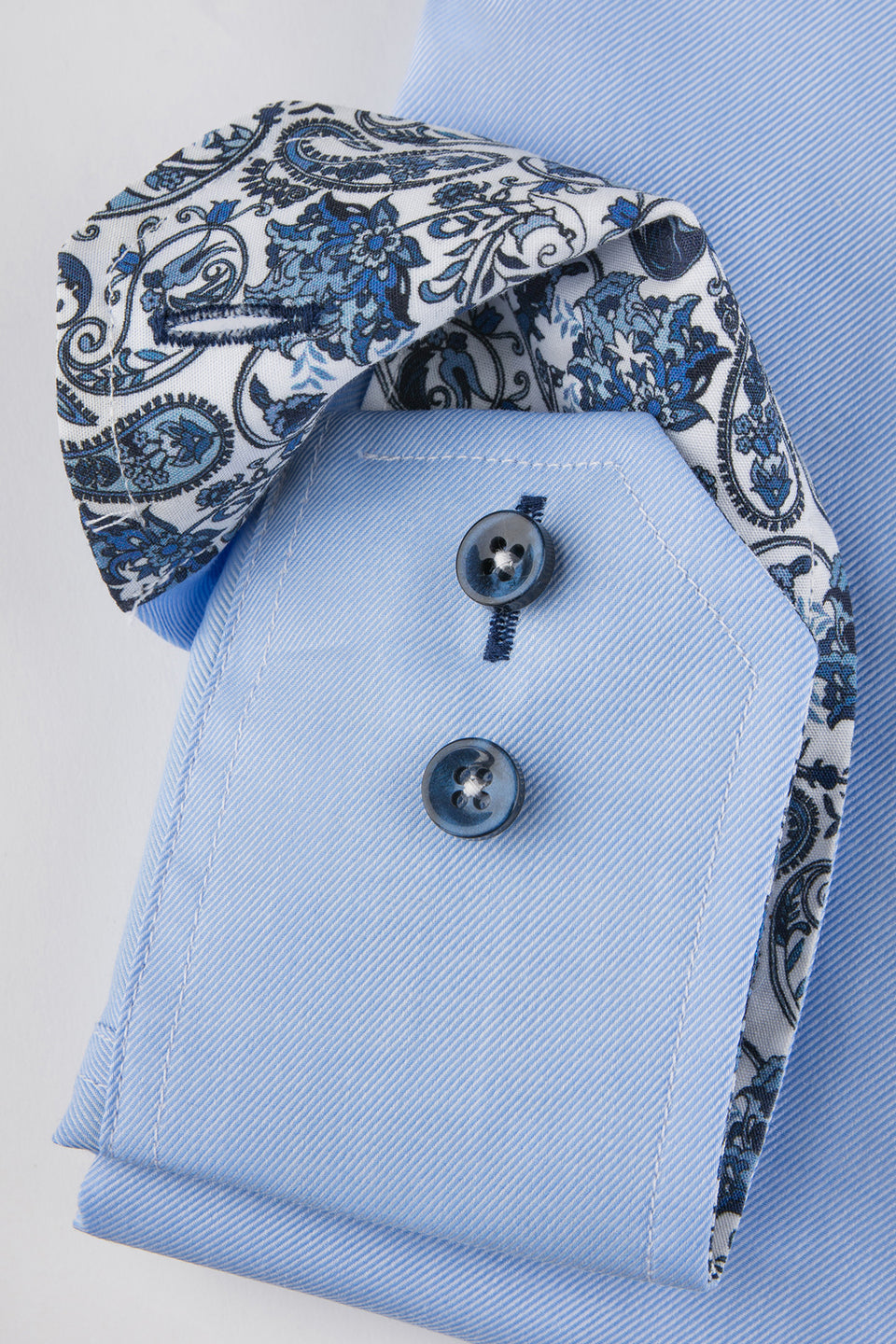 Light blue slim fit shirt with blue paisley details
