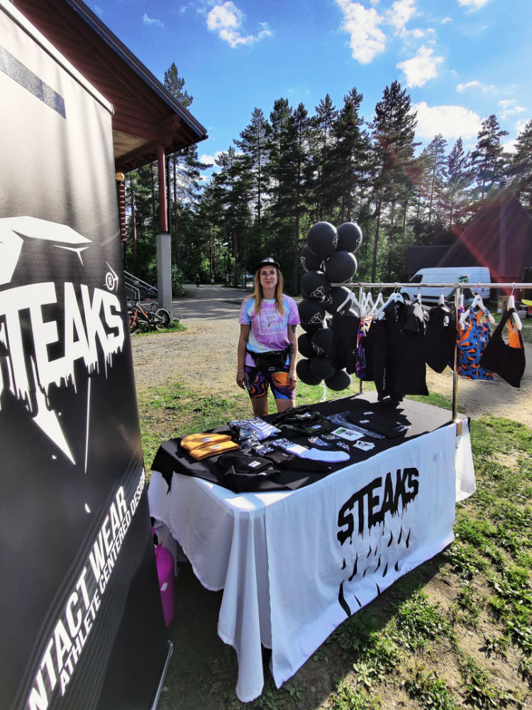The sun brought her a-game & we brought Contact Wear & balloons to Pusscamp 2020 at Sappeen Bike Park in Salmentaka, Finland. ©STEAKS® Contact Wear