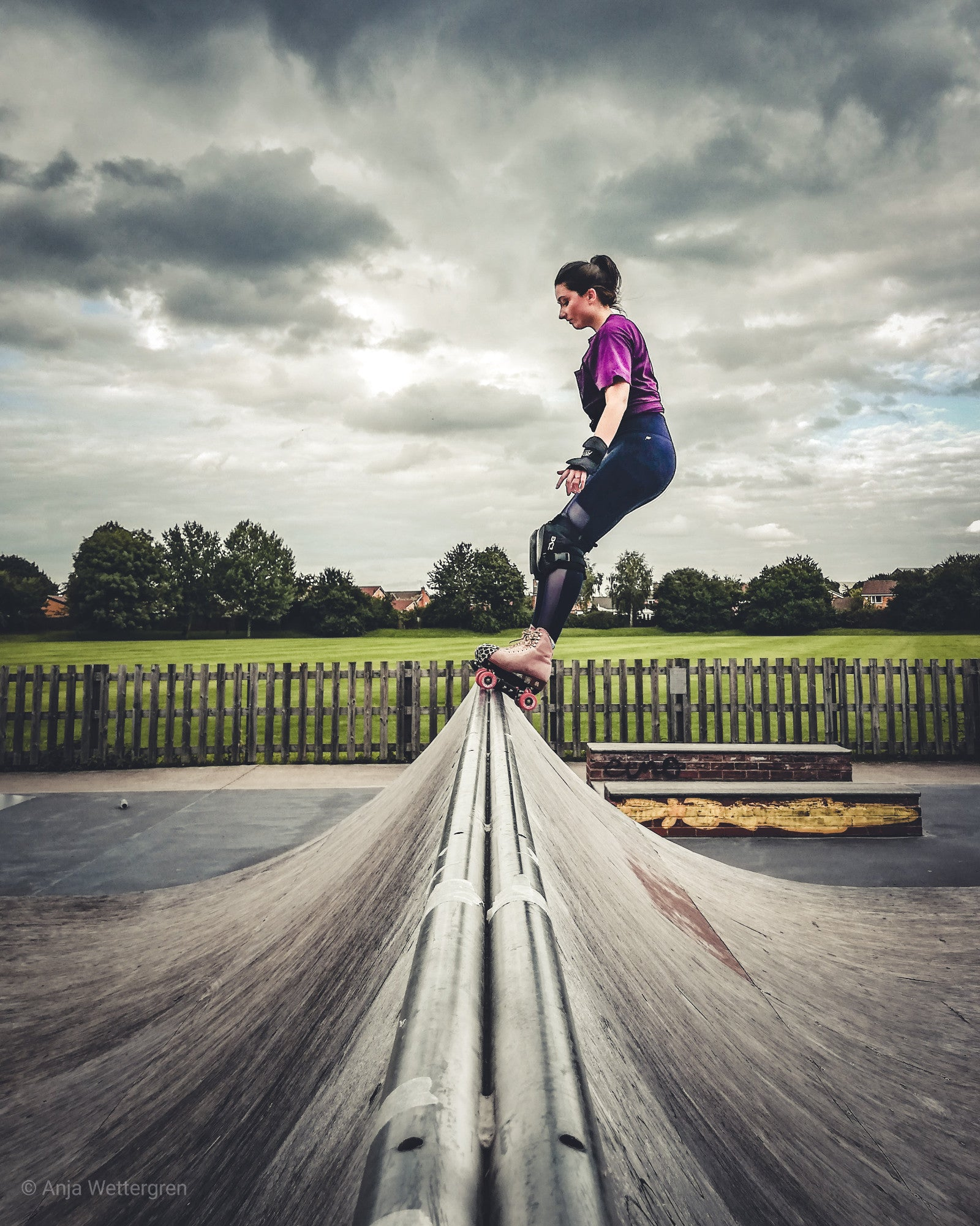 Dramatic skies, symmetrical composition, heightened complementary colours and visual guidance through vignette effect – just a typical day at the skatepark, right?! ©Anja Wettergren