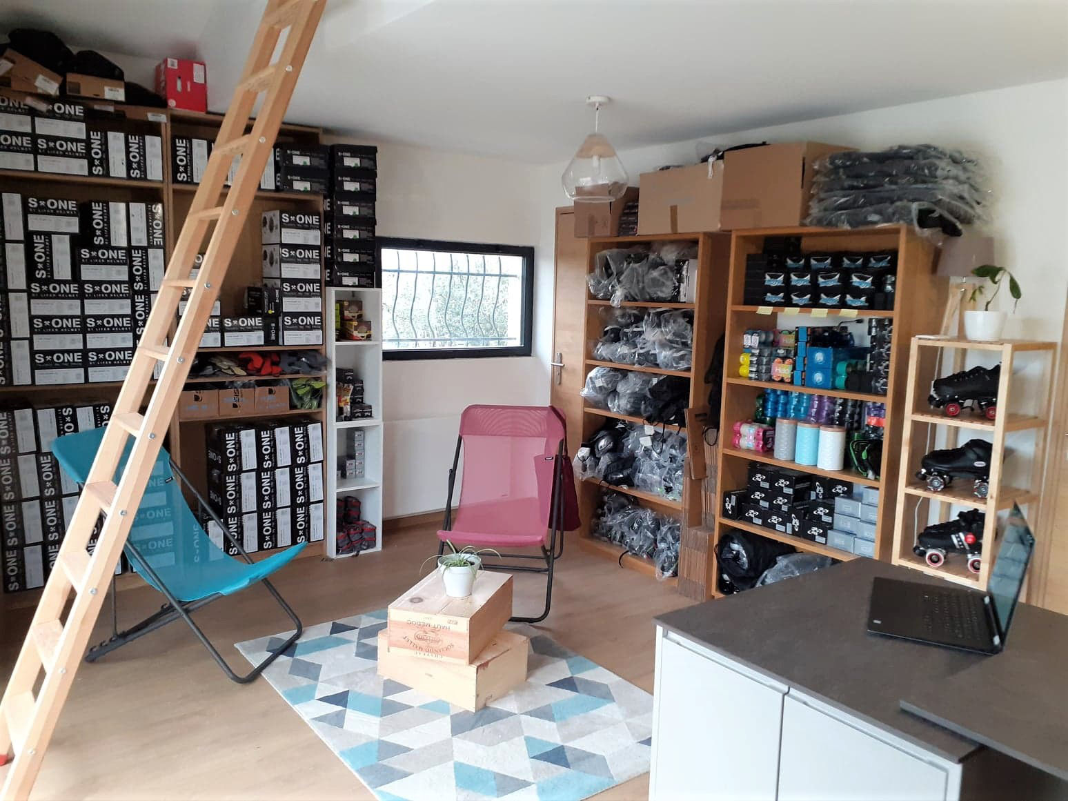 A peek inside the Myrollerderby brick and mortar shop at its current cosy location in 85 route de Craponne, 74140 Sciez in France. If you want to visit it, you better be fast as there are already plans to move the shop into High Street.