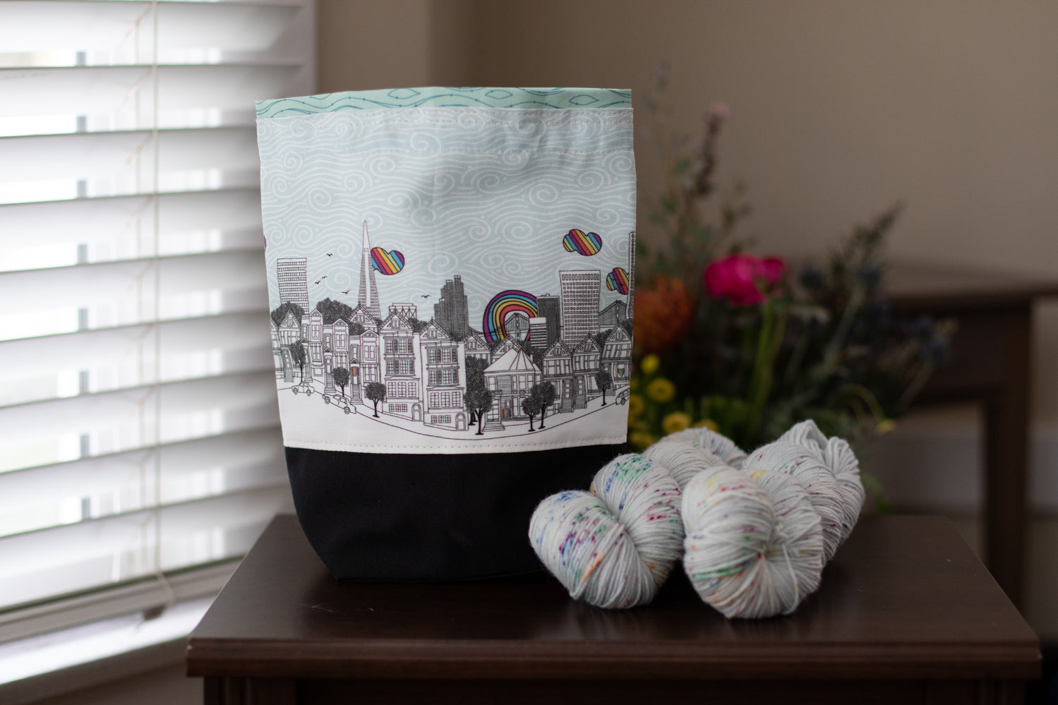 Cool, Grey City of Love (San Francisco) drawstring project bag