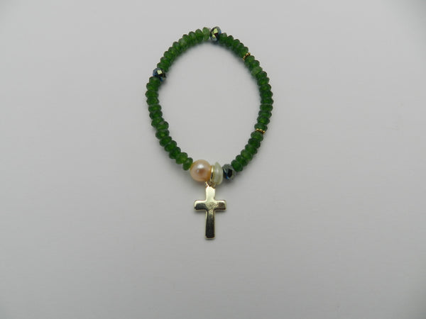 Green jade pearl and cross beaded bracelet