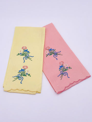 Bouquet Embroidered Napkin Set