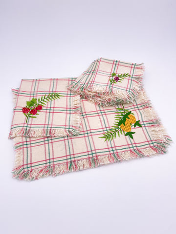 Napkins and Placemats Embroidered Plaid Set