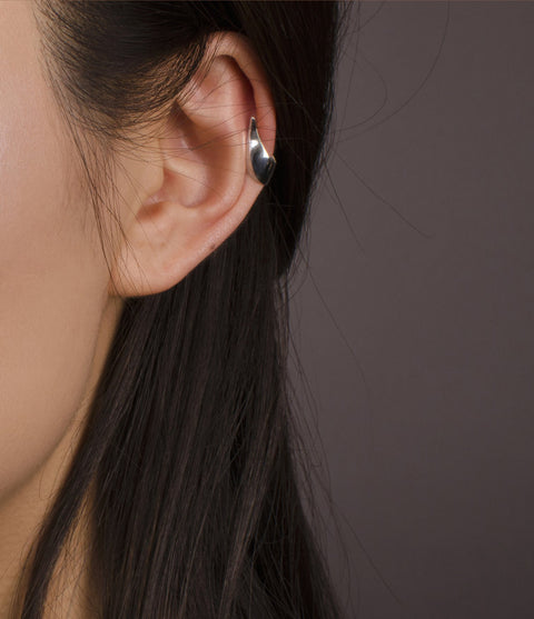 Undulate Ear Cuff