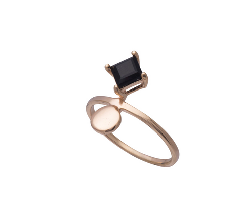 Sorn Rings Gold Onyx Size 5