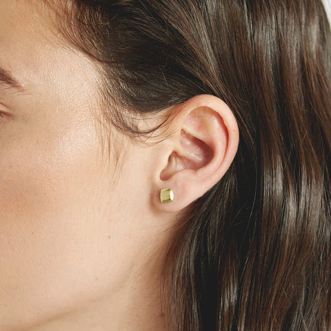 Cushion Studs Gold