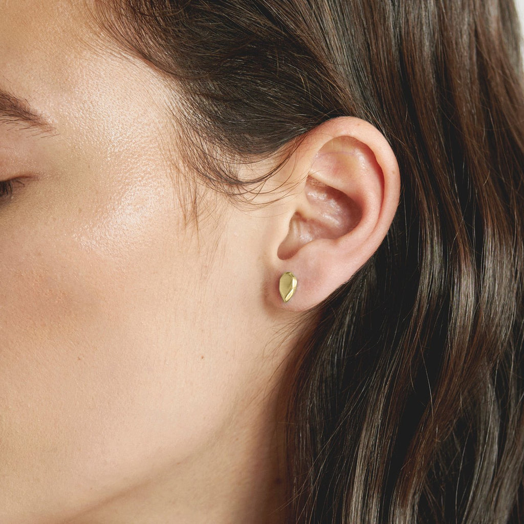 Pear Studs Gold