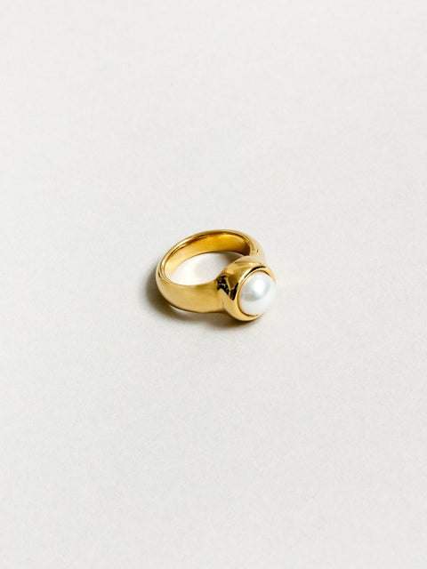 Magda Pearl Ring - Gold