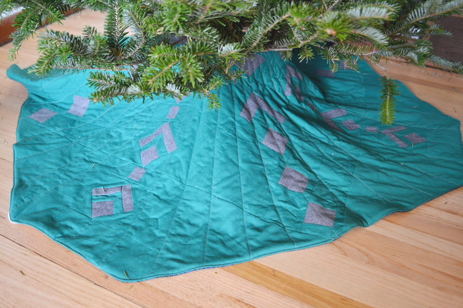 Turn a Quilt into a Tree Skirt