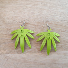 Load image into Gallery viewer, Palm Frond earrings