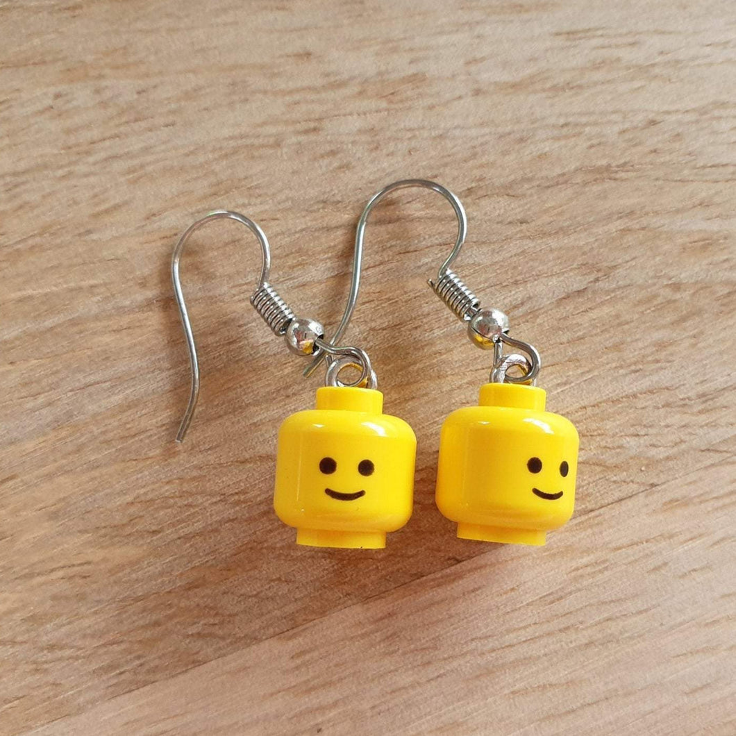 Classic smile head earrings