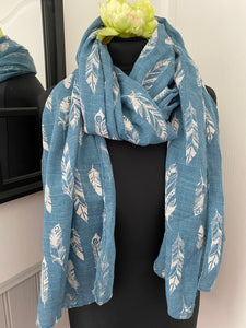 Feather design scarf