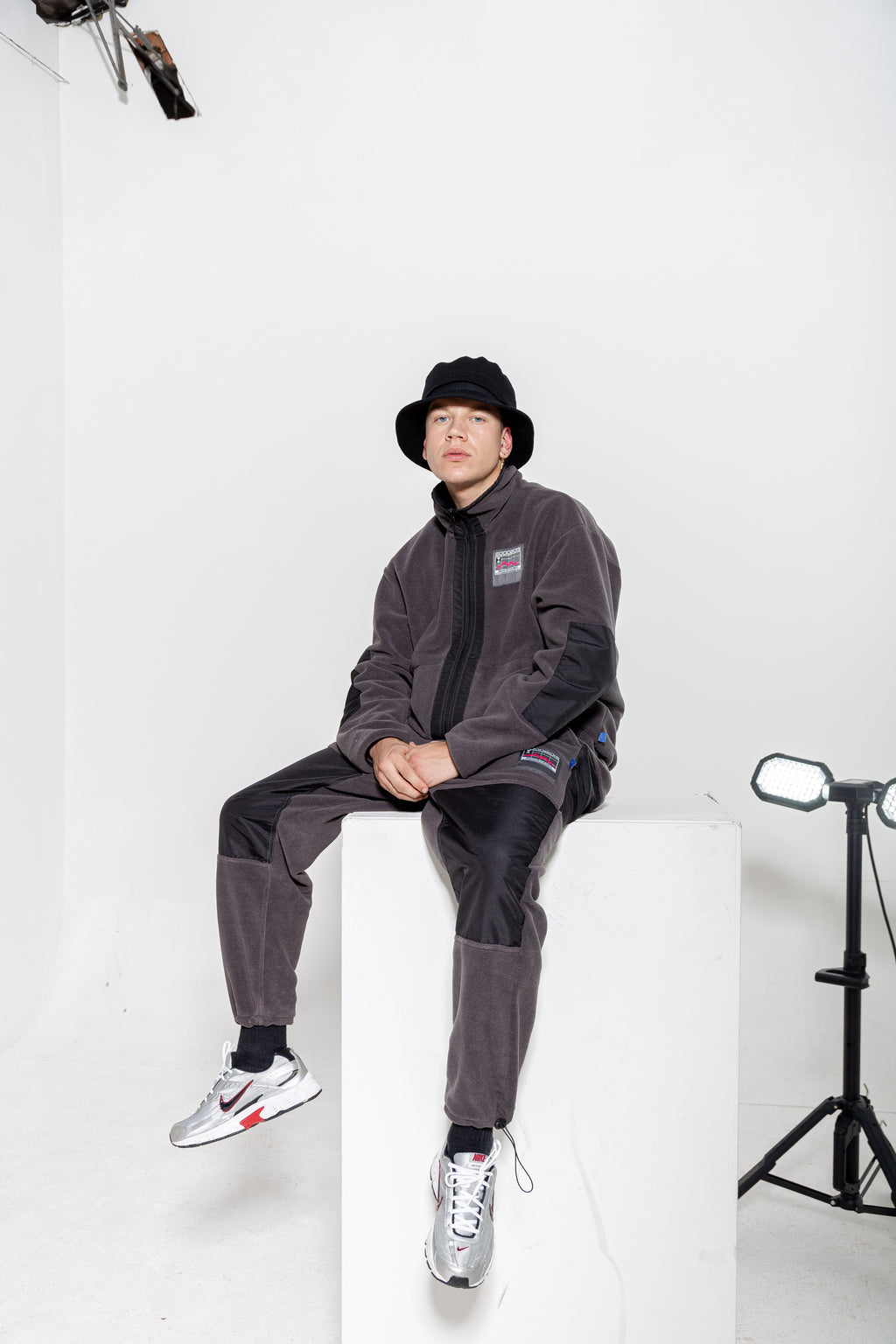 GEOTAG FLEECE TECH TRACK PANTS GRY