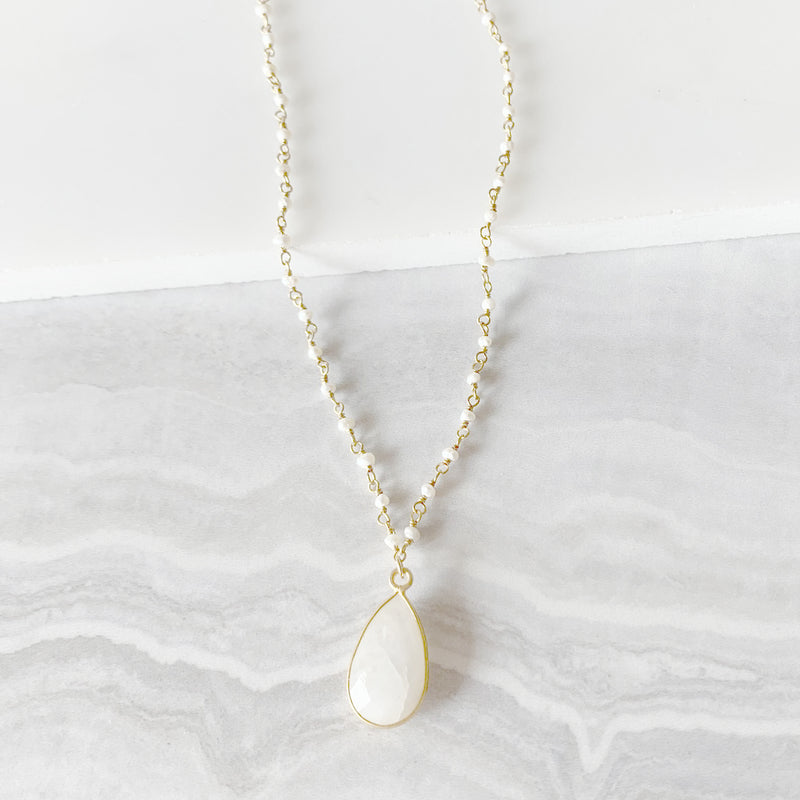 Moonstone Pendant Necklace with White Pearls in Gold