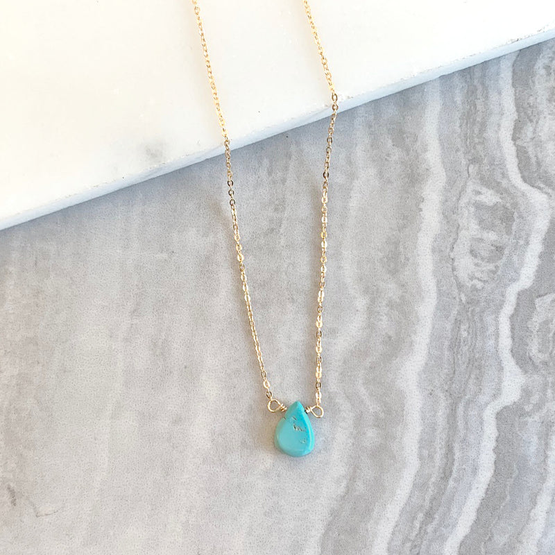 Teardrop necklace with Turquoise in Gold