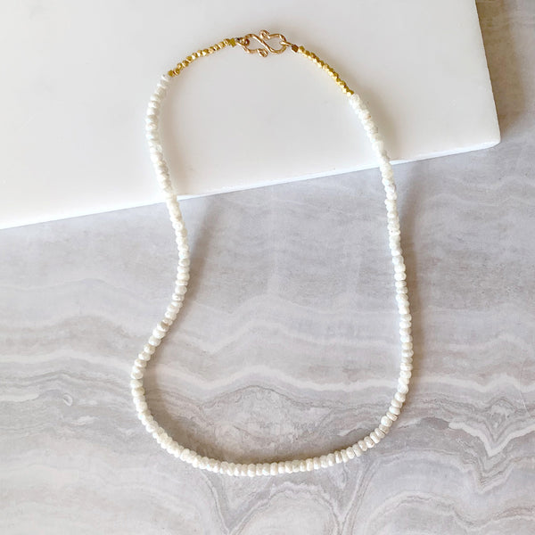 Beaded Necklace with White Moonstone in Gold